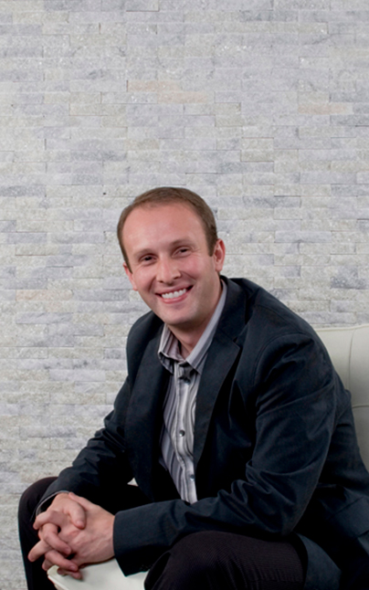 Lloyd Hannis office manager at perudental